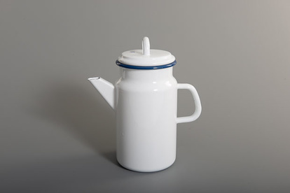 Kockum's enamal teapot in white with blue accents