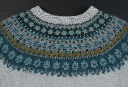 Blue shimmer, pullover or cardigan, knitting kit