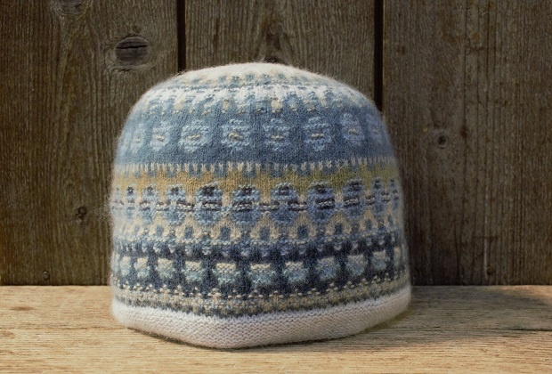 Blue shimmer, hat and beret, knitting kit