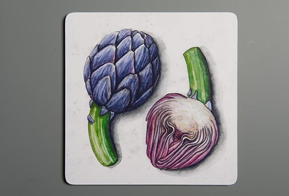 Small chopping board featuring artichoke and beetroot by SLOYDLAB
